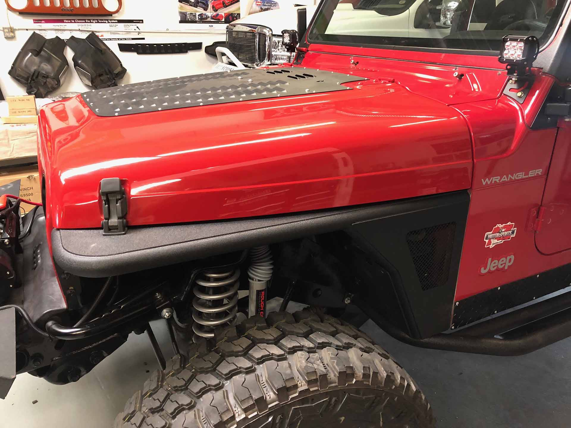 Jeep 2001 Red completed fender
